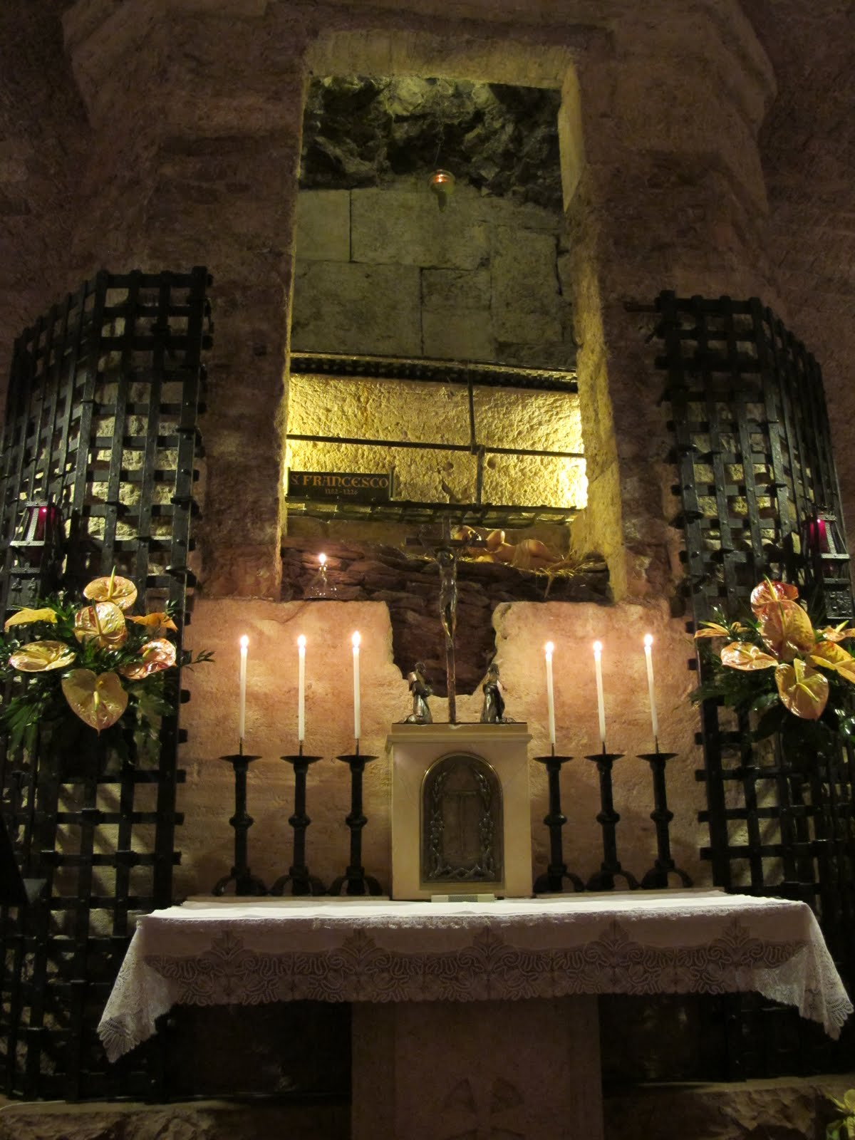 Tomb of St Francis Assisi, St. Francis embraces Sister Death | Catholic Franciscan Volunteer ...