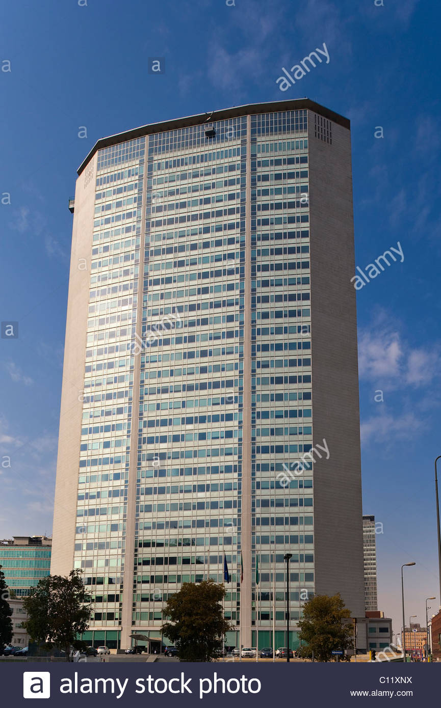 Torre Pirelli Milan, Torre Pirelli tower, Milan, Lombardy, Italy, Europe Stock Photo ...