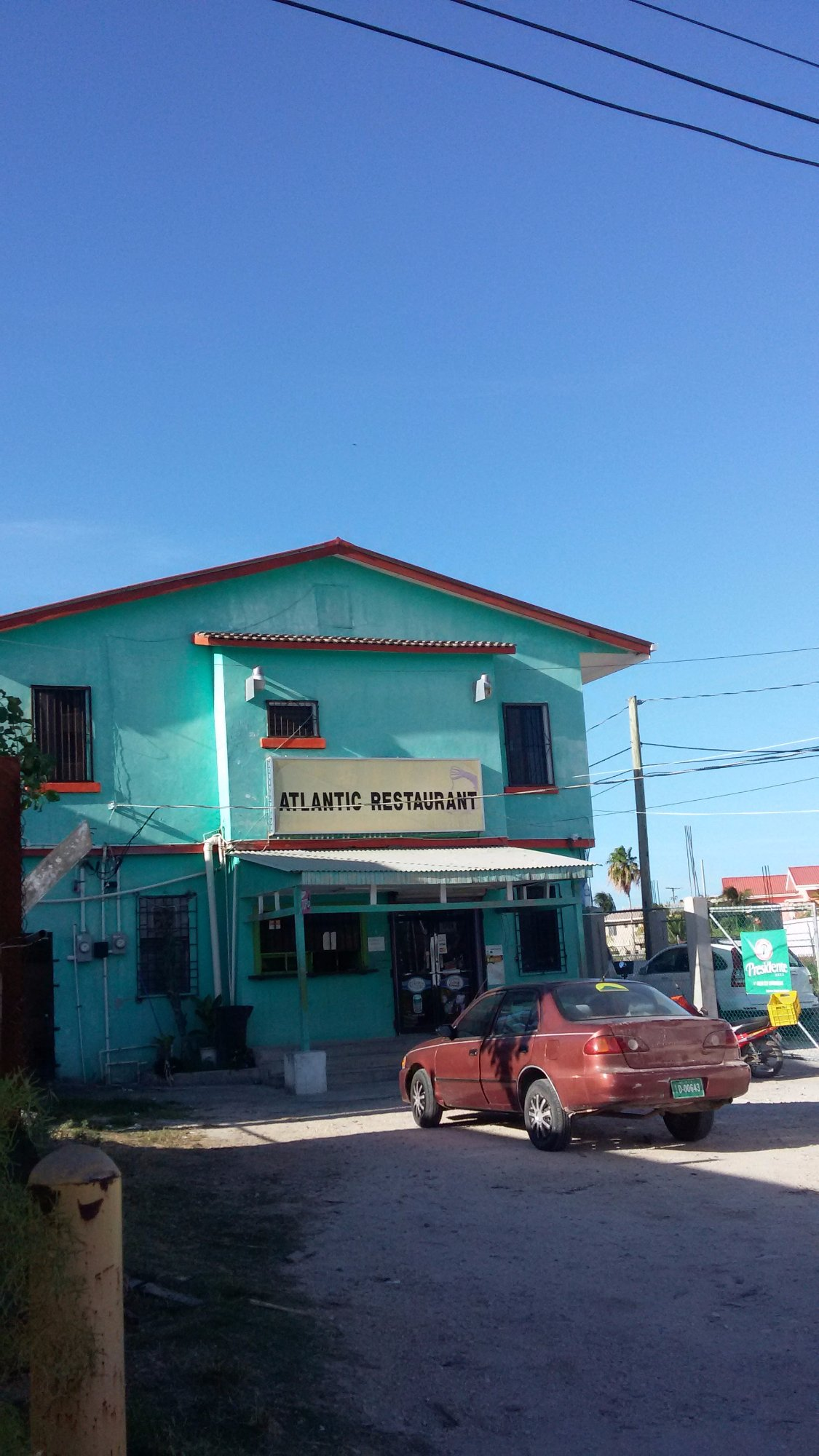 Travellers Liquors Heritage Center Belize City, The Red Hut Inn - UPDATED 2017 Prices & Guest house Reviews ...
