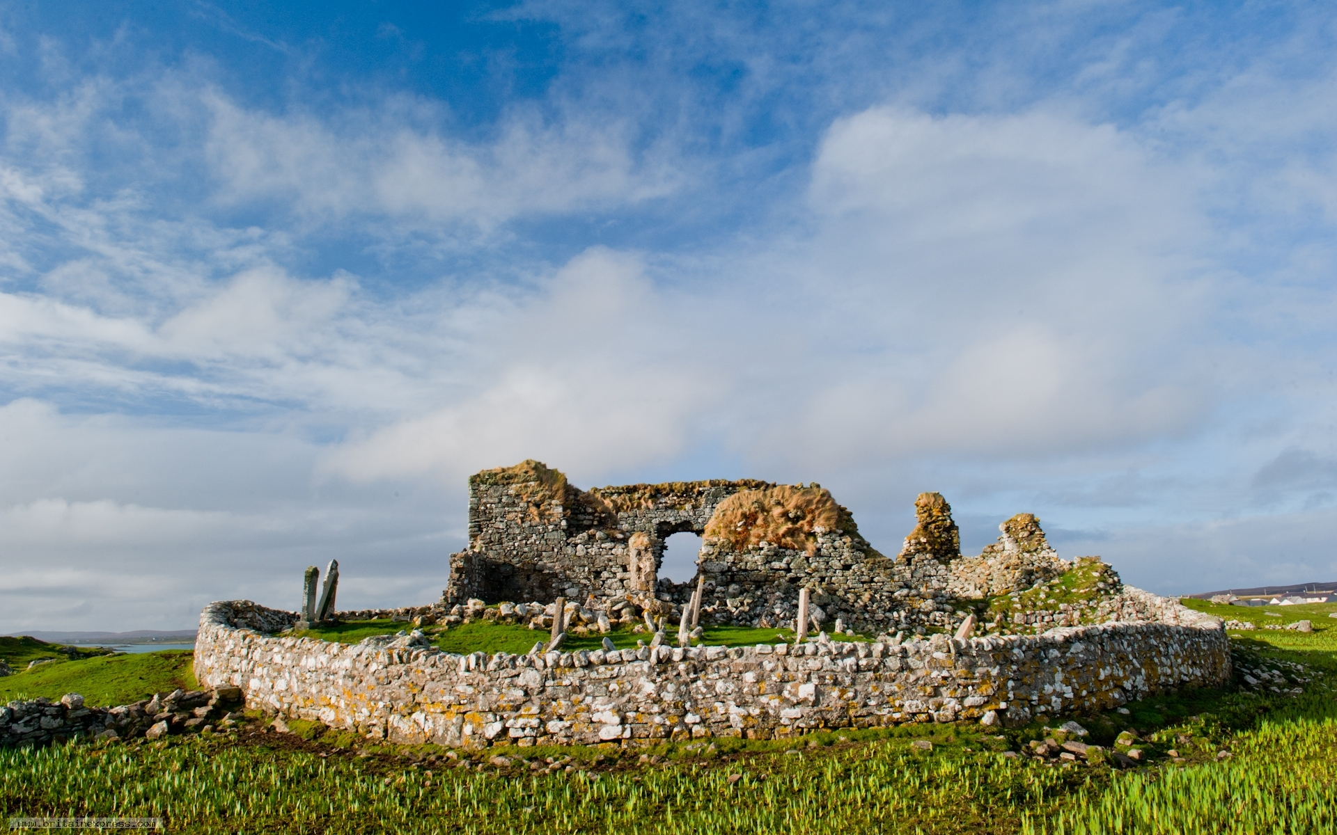 Trinity Temple The Northern Highlands and the Western Isles, Photo of Teampull na Trionaid, North Uist