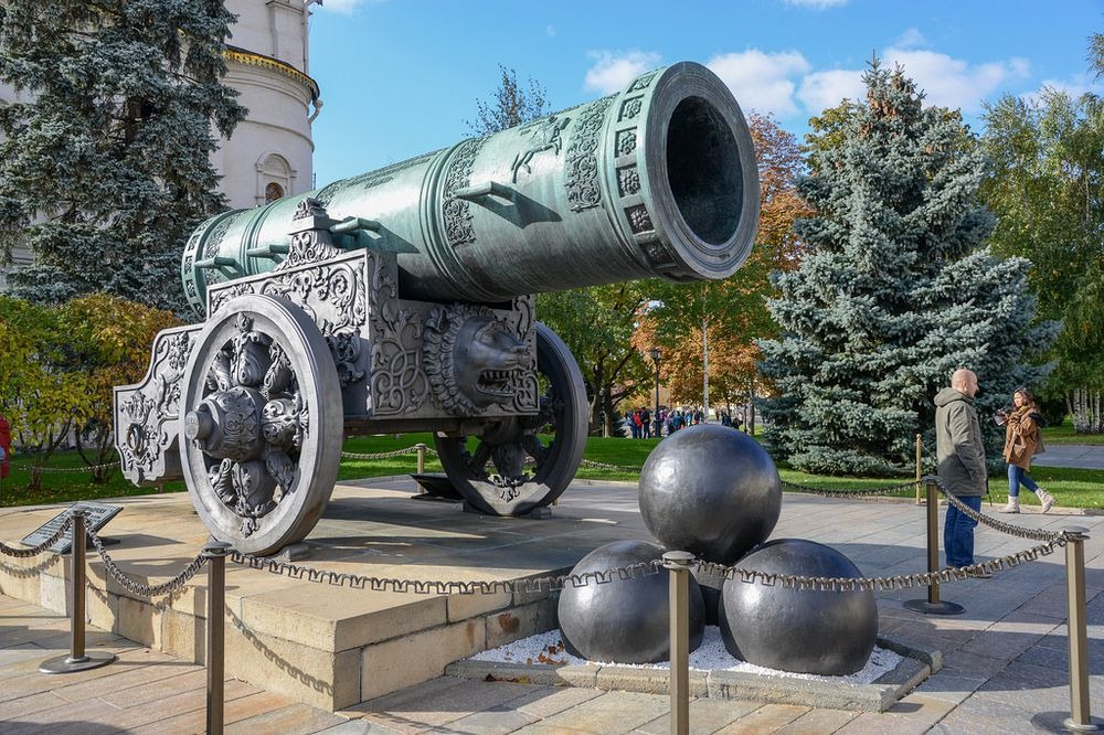Tsar Cannon Moscow, The Cannon And The Bell: The Tsars of Moscow Kremlin | Amusing Planet