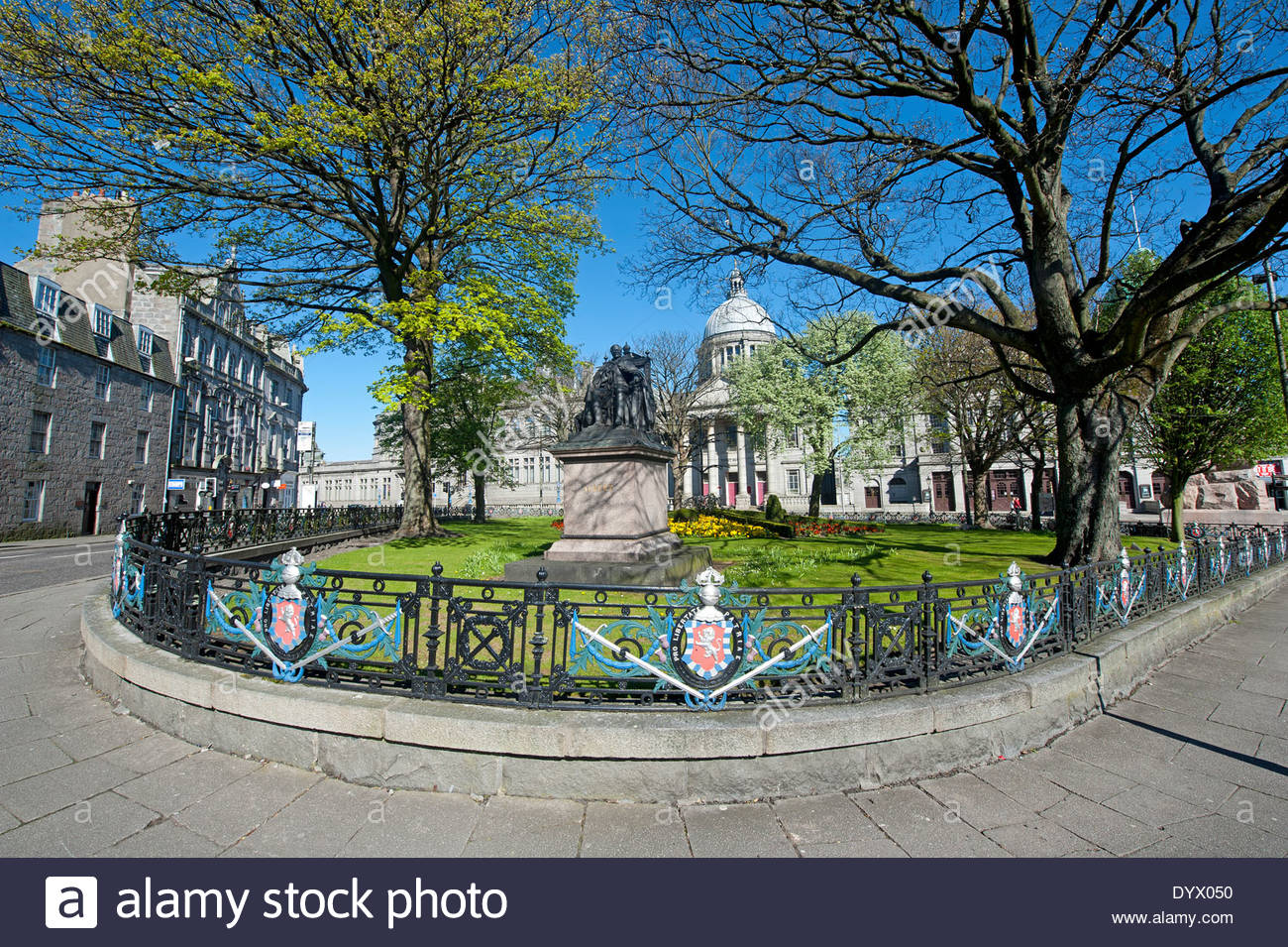 Union Terrace Aberdeen and the Northeast, William Wallace Statue Union Terrace Aberdeen, inscribed Motto ...