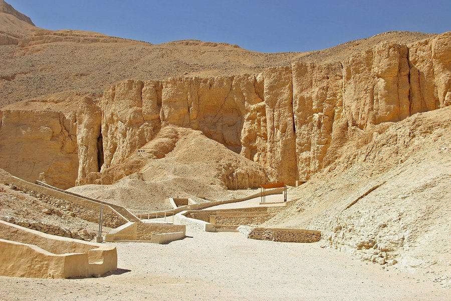 Valley of the Queens Luxor, Ancient Tombs Of The Nobles In The Valley Of The Queens | Ancient ...