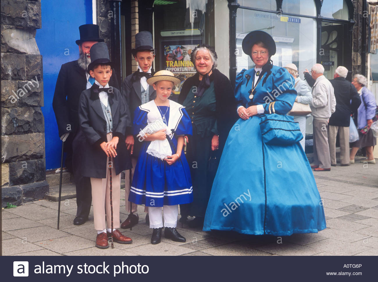 Victorian Festival Mid-Wales, Family in Victorian Costume Victorian Festival Llandrindod Wells ...