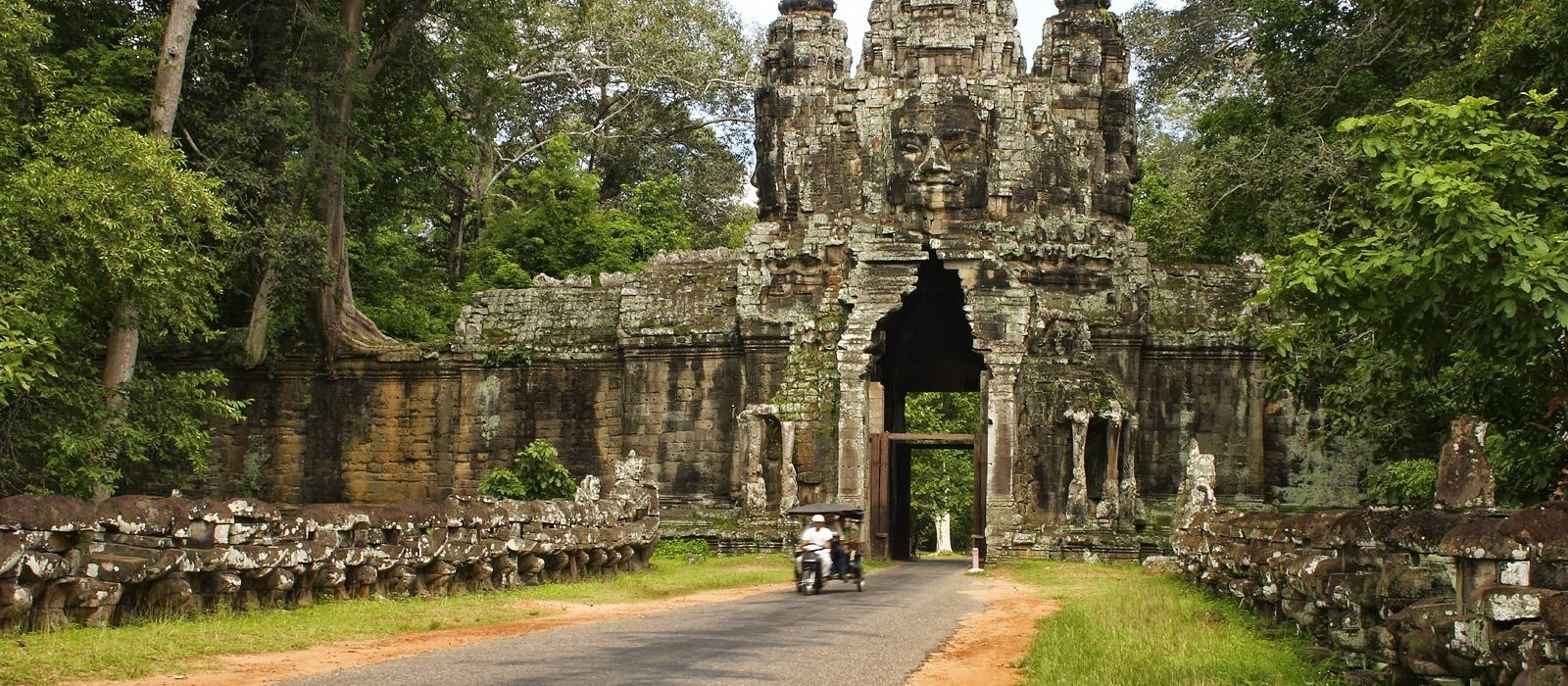Wat Kompuong Kompong Thom, Exclusive Travel Tips for Your Destination Kompong Thom in Cambodia