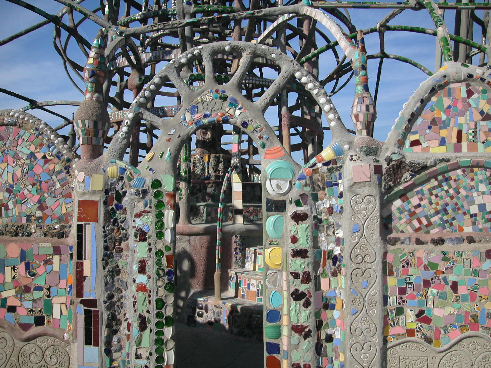 watts towers in los angeles Towers constructed by sam rodia, and a landmark in the cause of protecting vernacular, visionary, folk, outsider art and architectural monuments watts towers were saved from demolition in 1959, and are now administered by the los angeles department of cultural affairs.