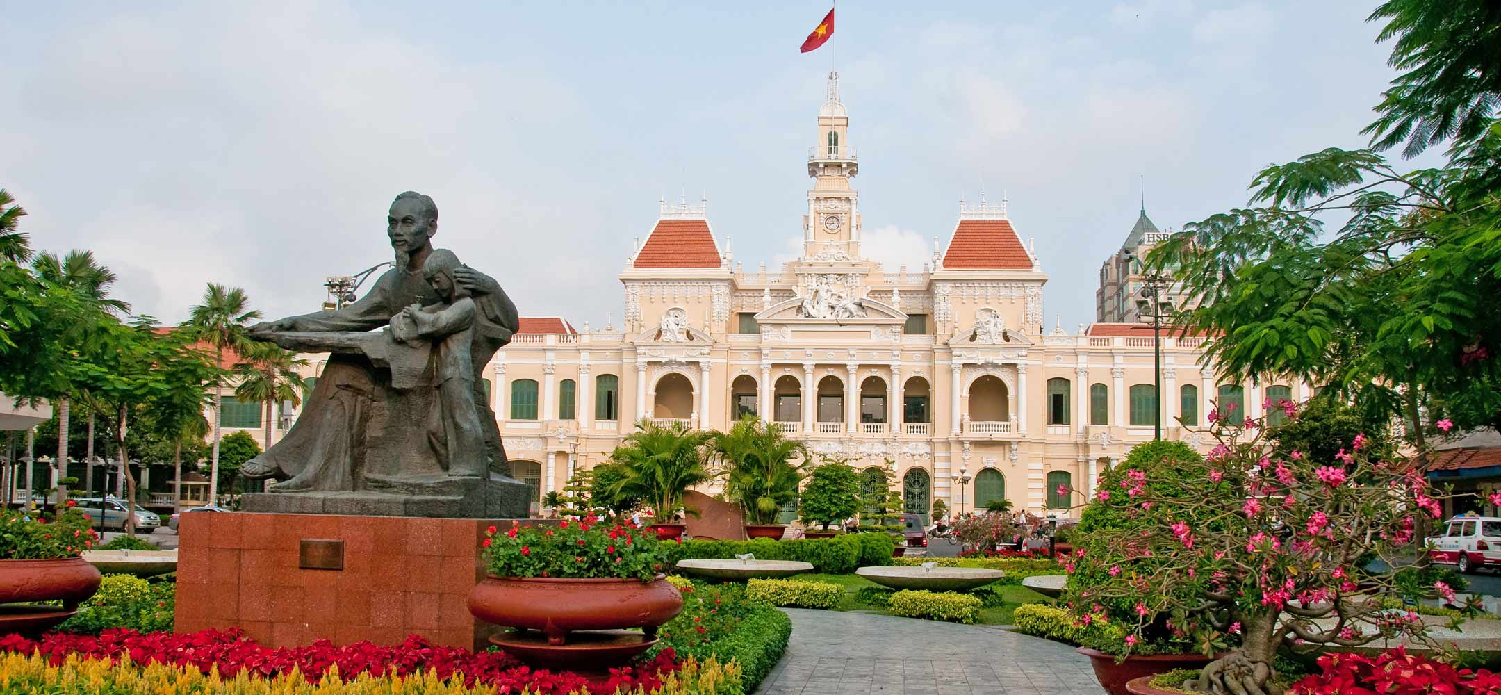 about ho chi minh Ho chi minh (1890-1969): major events in the life of a revolutionary leader 1890 on may 19, ho chi minh was born the second son to a family of farmers living in kim lien, a small village in annam (central vietnam.