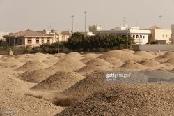 A'Ali Burial Mounds A'Ali | Aali Burial Mounds Stock Photo | Getty Images