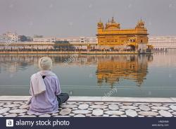 Amrit Sarovar Amritsar | pilgrim and sacred pool Amrit Sarovar, Golden temple, Amritsar ...