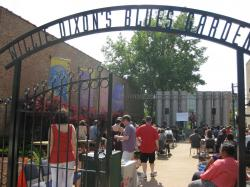 Brookfield Zoo Chicago | Willie Dixon's Blues Heaven Foundation, Chicago | Wanderant
