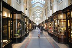 Burlington Arcade London | Burlington Arcade, Piccadilly, London | Shopping/Markets in London ...