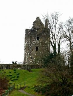 Cardoness Castle The Borders and the Southwest | Threave Castle via A View To a Kill - chainmailblog | Scotland ...