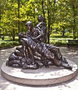 Carousel Washington, DC | To Vietnam War Women Nurse In The Vietnam Veterans Memorial ...