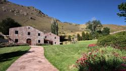 Chard Farm Queenstown | Queenstown Food and Drink - 2014 Chard Farm Mata-Au Pinot Noir ...
