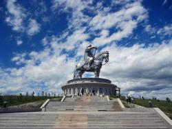 Ikh Bogd Uul The Gobi | What to do around the Genghis Khan equestrian Statue ? - Horseback ...