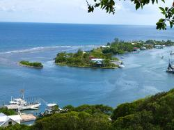 East End Roatan and the Bay Islands   Oak Ridge - cay - view from Pandy Town http://www ...