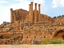South Decumanus Jerash | Discover the Roman City of Jerash