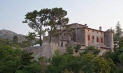 Escalier Monumental Auch | Chateau of Vauvenargues - Pablo Picasso's residence in Provence ...