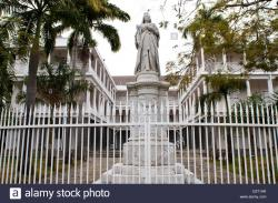 Government House Port Louis | queen victoria monument, government house, port louis, mauritius ...