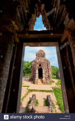 Group C My Son | Kalan (sanctuary tower) in Group C. My Son Sanctuary, Quang Nam ...