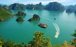 Halong Bay Northeast Vietnam | Ha Long Bay, Vietnam - Traditional Vietnamese Dinner in the Caves ...