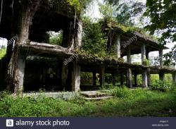 Japanese Military Headquarters Building Peleliu | Japanese military headquarters. Battle of Peleliu, Palau 1944 ...