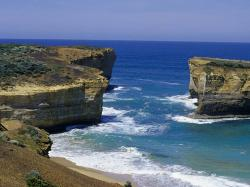 The Arch Port Campbell to Warrnambool | Coastal attractions, Nature and wildlife, Great Ocean Road ...