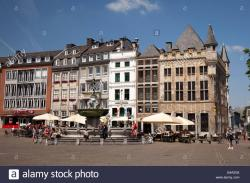 Market square The Rhineland | The market square and Haus Loewenstein building, Aachen, Rhineland ...