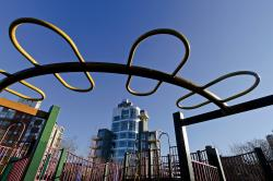Metropolitan Life Tower New York City | Vincent V. Abate Playground, McCarren Park, Williamsburg, Brooklyn ...