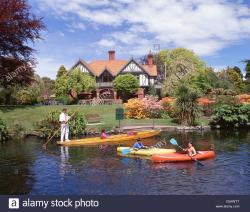 Punting on the Avon Christchurch and Canterbury | Punting on River Avon, Mona Vale Homestead, Fendalton ...