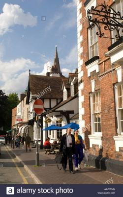 Myddleton Arms North Wales | Myddleton Arms Hotel and shops St Peters Square Ruthun Ruthin ...