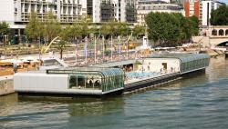 Pont Neuf Paris | Swim in an open-air pool | Official website for tourism in France