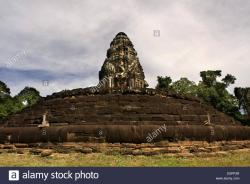 Preah Neak Poan Temples of Angkor | Neak Pean (The entwined serpents) at Angkor, is an artificial ...