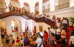 President's House Colombo | Large number of people flocks to visit President's - The official ...