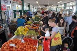 Produce Market Malé | Relocated Farmers Market Is a Bright Spot in Flint – Next City