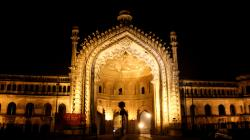 Rumi Darwaza Lucknow   10 things not to miss when you're in Lucknow - Via.com Travel Blog