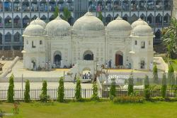 Sat Gumbad Mosque Dhaka | Satgumbad Mosque located in the Muhammadpur area of Dhaka city ...