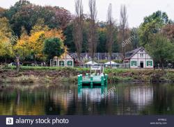 Schloss Glienicke Wannsee | Pfaueninsel Stock Photos & Pfaueninsel Stock Images - Alamy
