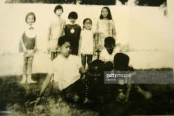 SDN Menteng 1 School Jakarta | Obama's Childhood In Indonesia Pictures | Getty Images