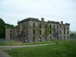St. Ann's Warehouse New York City | Southpoint Park / Smallpox Hospital
