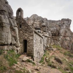 St Govan's Chapel Stackpole (Stagbwll) | Day 112: Stackpole Head to West Pickard Bay – Hermit & Sultan ...