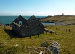 St. Ninian's Chapel The Borders and the Southwest   St Ninian's Chapel - A Bit About Britain