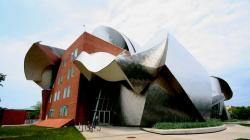 The Cleveland Museum of Art Cleveland | Peter B. Lewis, Philanthropist and Patron of Architecture, Dies ...