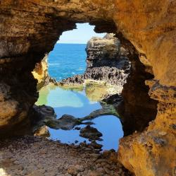 The Grotto Port Campbell to Warrnambool | Stumbled across a hidden sea cave on the Great Ocean Road with ...