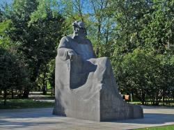 Tolstoy Memorial Museum Moscow | Leo Tolstoy monument, Moscow | Russian Culture in Landmarks