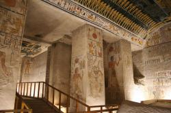 Tomb of Seti II (KV 15) Luxor | The red looped sash: an enigmatic element of royal regalia in ...