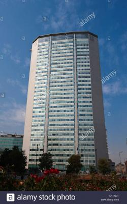 Torre Pirelli Milan | Torre Pirelli tower, Milan, Lombardy, Italy, Europe Stock Photo ...