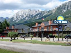 Tunnel Mountain Banff Town   Days Inn Canmore in Banff National Park   Hotel Rates & Reviews on ...