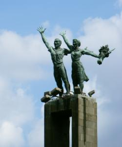 Welcome Monument Jakarta | Free & Low Cost Tourist Attractions in Jakarta & Surabaya, Indonesia