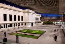 World's Largest Outdoor Chandelier Cleveland | The architecture of the Cleveland Museum of Art's expansion puts ...
